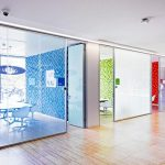 Things to know about glass partition