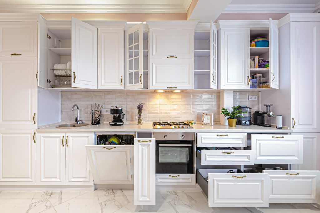 Tips to Choose the Right Kitchen Cabinets